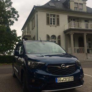 Ein Opel Combo Life im Sommer 2018 in Rüsselsheim.