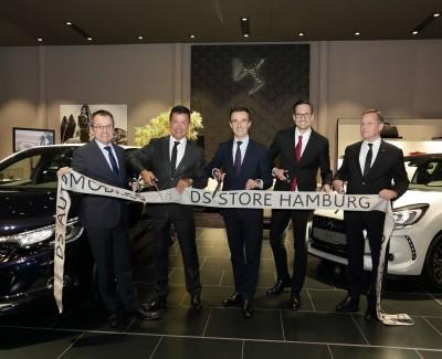 Perlender Schaumwein aus der Champagne und prächtige Schlitten aus Frankreich – Erster DS Store Deutschlands in der Freien und Hansestadt Hamburg eröffnet