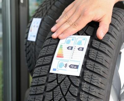 """Fahrzeug-Flotten mit """"grünen Reifen"""" sparen Sprit – Bemerkenswerter Praxistest von Lanxess und RheinEnergie"""