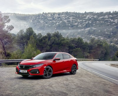 Honda-Bestseller in zehnter Auflage – Neuer Civic mit ausgefallenem Design und sportlichen Attributen