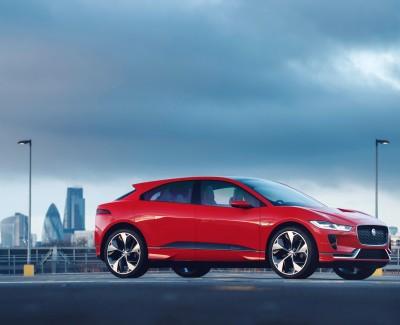 Jaguar und Land Rover (JLR) fahren auf der Überholspur – Seit dem Wirtschaftskrisenjahr 2009 hat sich der Umsatz von JLR verdreifacht