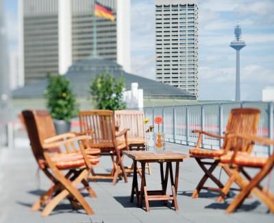 Die Lage ist Luxus, das Hotel und Herr Haller sind hip – Über das Mövenpick Hotel Frankfurt City