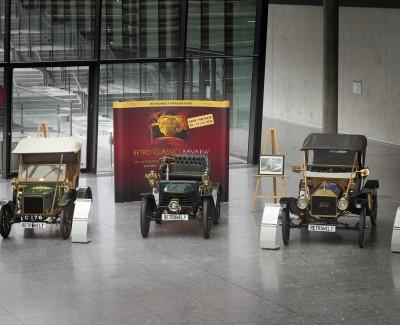 Alte Automobile auf der Retro Classics bei Stuttgart