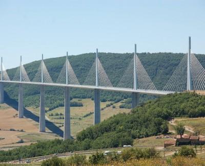 Das Viadukt von Millau – Serie: Mit dem Motorrad durch das Tal des Tarn (1/3)