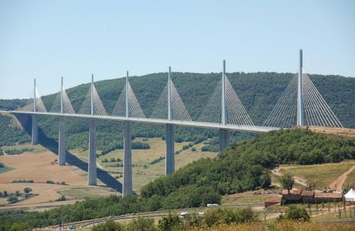 Das Viadukt von Millau – Serie: Mit dem Motorrad durch das Tal des Tarn (1/2)